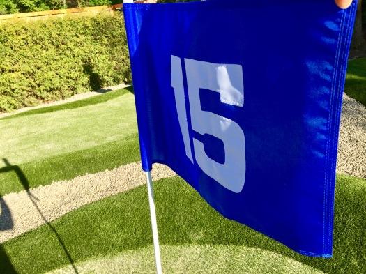 Fahne von Bahn Nummer 15 der Abenteuer Golfpark-Anlage