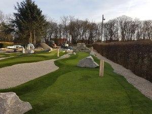 Erste Bahnen der Abenteuer Golf-Anlage im Schwimmverein Würzburg 05.