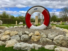 Rettungsring als eines der Hindernisse im Abenteuer Golfpark SVW05